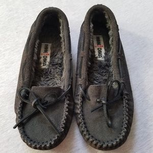 Minnetonka fur lined moccasins gray suede leather